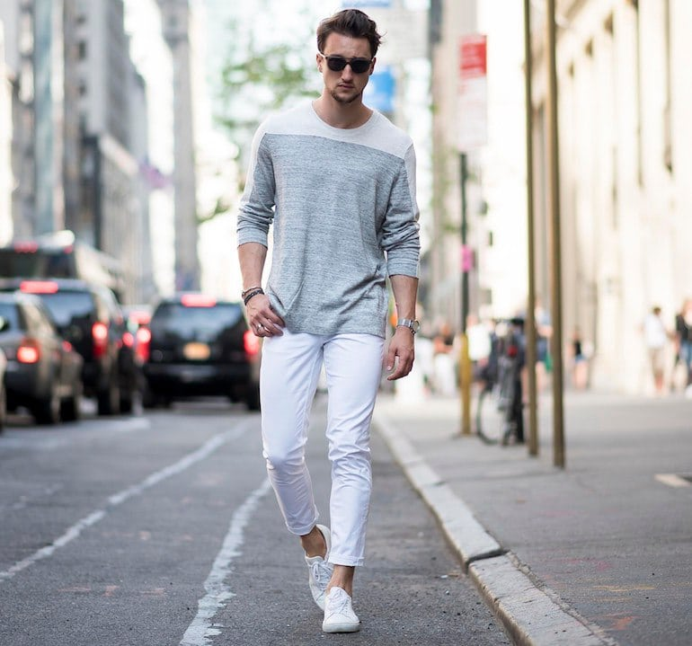 mens-white-jeans-grey-jumper-white-shoes-outfit-